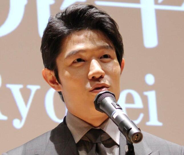 鈴木亮平さん(2016年撮影)