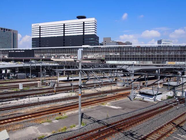 ビジネスパーソン向けの設備が整備される新大阪駅