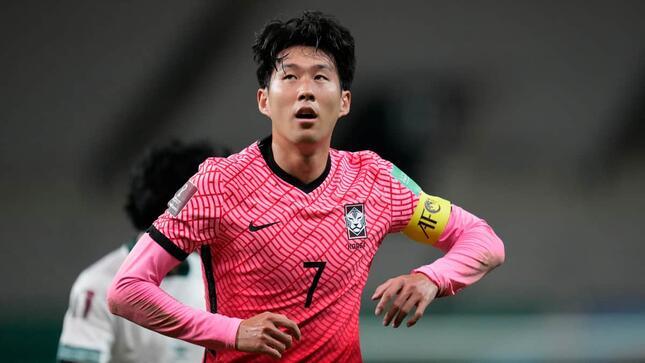 韓国代表の孫興民選手(写真:AP/アフロ)