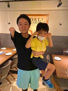 山田千紘さんと、「KNOCK」総料理長・梶原政之さんの息子さん