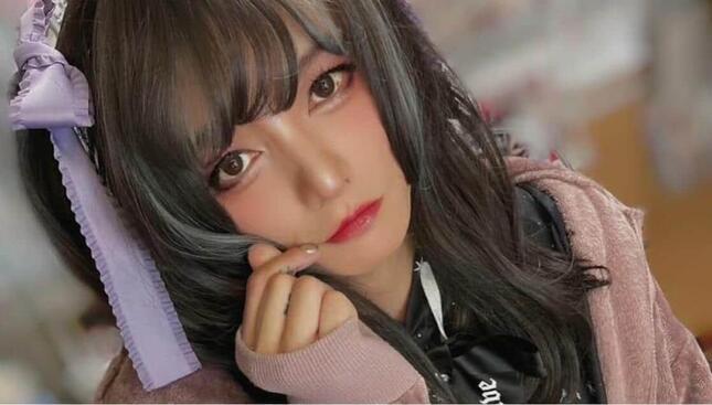 美少女に変身した田中聖さん(本人のYouTube動画「地雷メイクに女装してもスタッフなら気付いてくれる」より)
