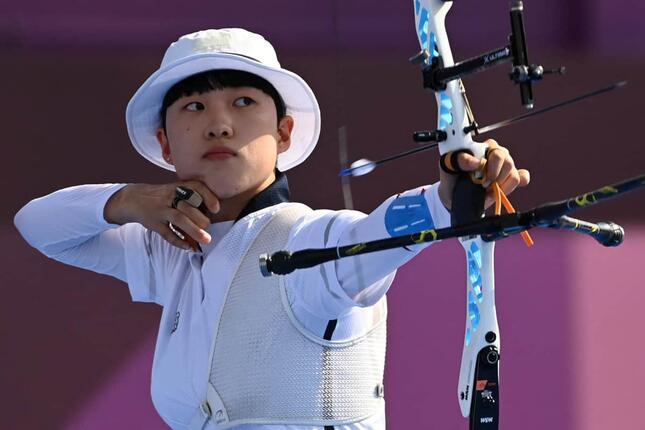 東京五輪金メダルの安山選手(写真:AFP/アフロ)