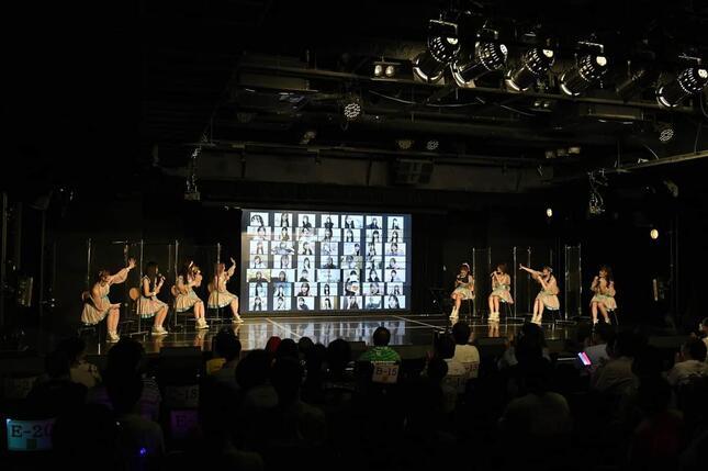 トークショーには多くのメンバーがリモートで参加した (c)2021 Zest, Inc.