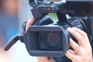 ノーマスク男性がNHKカメラマンに詰め寄る 地震中継トラブルに騒然...広報「暴行受けていない」