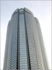 テレビ局の買収を試みたネット企業2社(ライブドア・楽天)が入居する六本木ヒルズ