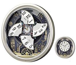 セイコークロックが発売する電波からくり掛時計。パフォーマンス中(左)通常時(右)