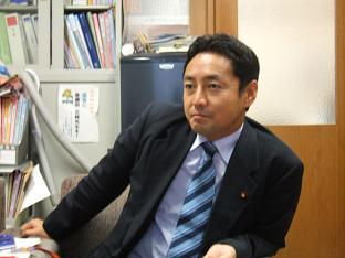 接受J-CAST新闻的采访的后藤田正纯众议院议员