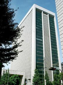 三菱UFJフィナンシャル・グループ系列のリース会社も合併を発表
