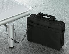 コクヨS&Tがエースと共同開発した「セキュアバッグ ライト<ACE K-style>」
