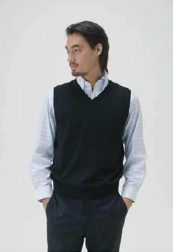 ミズノが発売する「ブレスサーモ ドレスシャツ」