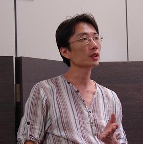 「日本全体が『貧困化』している」と語る湯浅誠さん