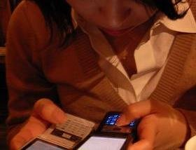 もはや「告白」から「別れ話」まで携帯メールで済ませる時代?