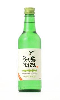 韓国で人気の「韓国焼酎 チョウムチョロム」