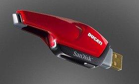 サンディスクが発売するドゥカティエディション高速フラッシュメモリー(画像は「Extreme Ducati エディションUSBフラッシュドライブ」)