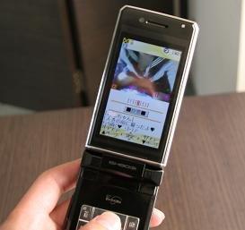 携帯電話で女子中高生が性交渉に誘いこむケースが多発している