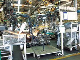 自動車業界では海外生産を進めている(写真はイメージ)