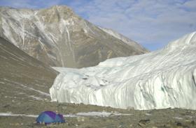 地球上の氷は溶けてしまうのか(写真はイメージ)