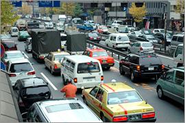 車の個人リースが増えている(写真はイメージ)