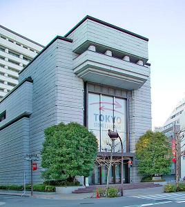 5月15日の東京証券取引所はごった返した状態だった