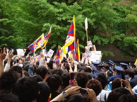 早稲田大学の敷地内では小競り合いも起きた