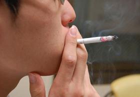 「たばこ1箱1000円」構想が話題に(写真はイメージ)
