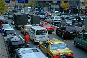 都内では車の通行台数が減っているという
