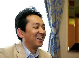 「ヤフーにあってモバゲーにないコンテンツを追加したい」と話すDeNA畑村氏