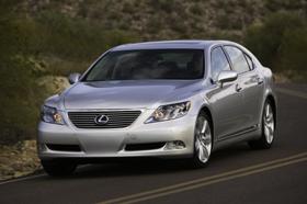 中国はトヨタの高級車レクサスの輸入をストップ?(写真は「Lexus LS600h L.」)