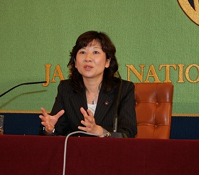 「消費者行政は二軍扱いされている」と訴える、野田聖子消費者行政担当相