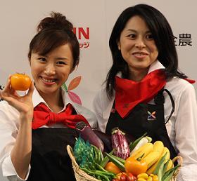 「野菜の魅力」について語った山口もえさん(左)と王理恵さん(右)