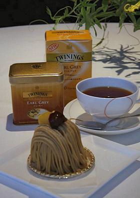 この日川島さんに出された紅茶と鎧塚俊彦さんのスイーツ