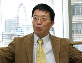 「8%台の経済成長を維持ができるかが、中国にとってカギになる」と語る朱建栄教授