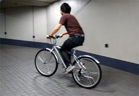 「ロードバイク」「クロスバイク」が大人気だ(写真はイメージ)