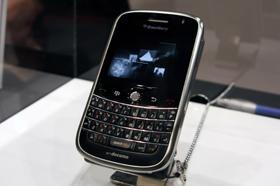 NTTドコモは「ブラックベリー ボールド」などのスマートフォンを相次いで投入予定だ