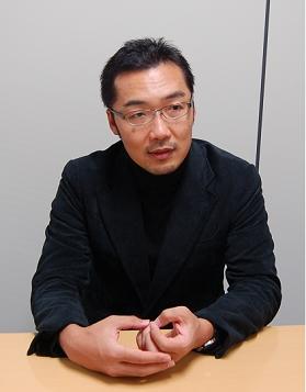 日本では珍しくない「記者会見で権力側に事前に質問を渡す記者」は「世界では例がありません」と話す上杉隆さん。「そうしたことが読者に少しずつばれて来ている」
