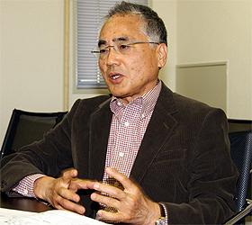 河内さんは「印刷・販売工程を各社で共通化すべき」と話す