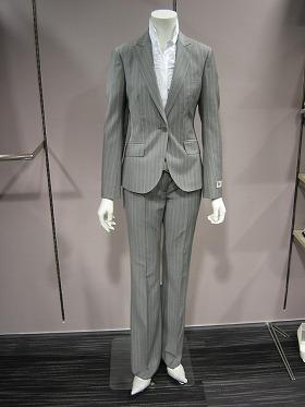09年春夏は20型近くのスーツ用パンツを扱うTHE SUIT COMPANY she