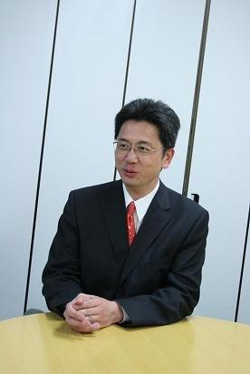 「太陽電池の研究者など博士が足りない分野もあります」と話す橋本昌隆さん