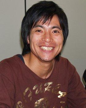 「政治家のなかには、ちゃんと仕事をしているすごい人もいるんですよね」という原田謙介さん