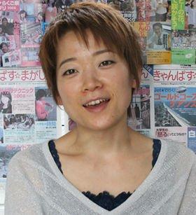 「大学時代は卓球一筋に打ち込んでいて、政治のことなんて全然関心がなかった」という小松亜子さん
