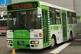 福岡シティループバス「ぐりーん」の運行間隔が広がるなどの影響が出ている