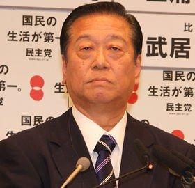 「記者会見は好きじゃない」という小沢一郎・民主党幹事長(写真は2009年総選挙の開票会見)
