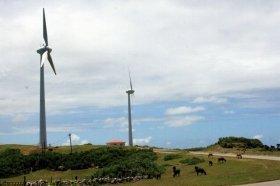 風力発電は、全国各地で行われている(写真は日本最西端の与那国島)