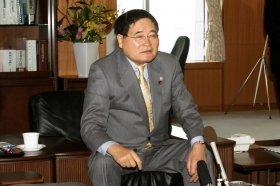 西村さんへの期待を語る亀井静香郵政・金融担当相