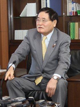 亀井静香郵政・金融担当相