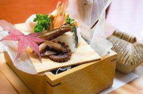 日本料理界は女性の受入れに寛容になっている(写真はイメージ)