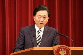 鳩山首相のスピーチの表現にも疑問の声が上がっている(10年5月28日撮影、代表撮影)