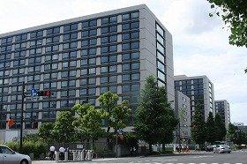 東京・永田町の議員会館。背が高い方が新館で、手前から衆院第1、衆院第2、参院