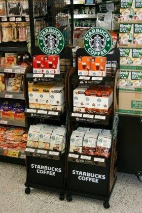 スーパーでもスターバックスの「味」が買える(写真は、相鉄ローゼン成瀬店)
