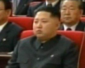 朝鮮労働党代表者会に姿を見せた金正恩氏。「故・金日成主席に似ている」との声が多い(朝鮮中央テレビより)